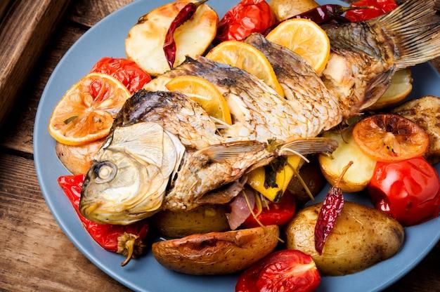 Peixe delicioso grelhado