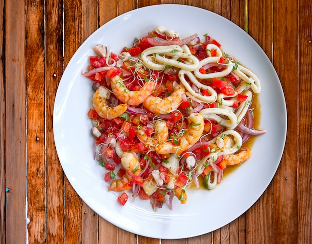 Peixe e frutos do mar ceviche do méxico