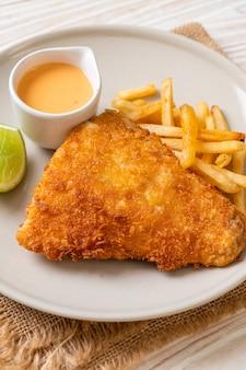 Peixe frito e batata frita
