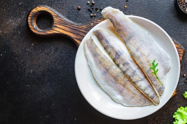 Peixe lúcio poleiro frutos do mar fresco cru produto orgânico pescada refeição lanche cópia espaço alimentos fundo