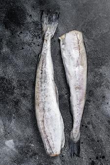 Peixe pollock cru pronto para cozinhar