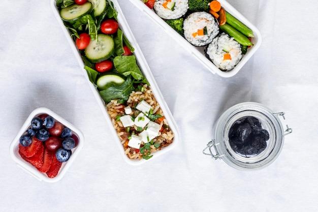 Peixes, vegetais e frutas de postura plana