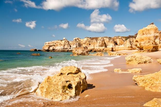 Penhascos de arenito no oeste de portugal