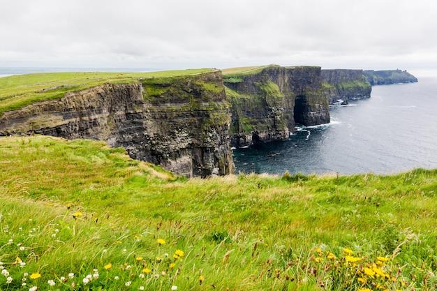 Penhascos de moher na irlanda