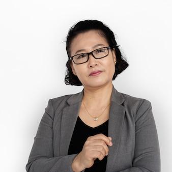 Pensamento de mulher de negócios asiáticos