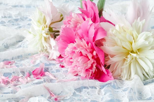 Peônias duplas rosa claro