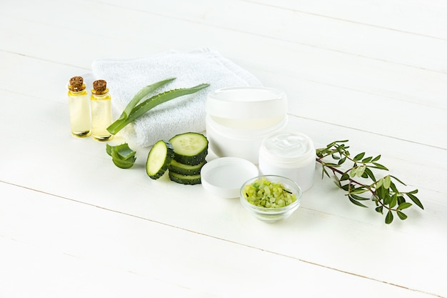 Pepino e aloe creme cosmético para rosto, pele e corpo cuidados higiene loção umidade