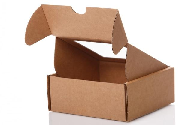 Pequena caixa de papelão