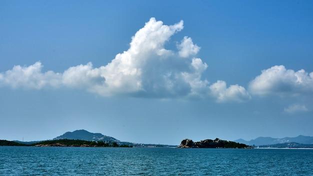 Pequena ilha perto de koh samui, na tailândia
