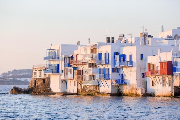 Pequena veneza na ilha de mykonos grécia cyclades
