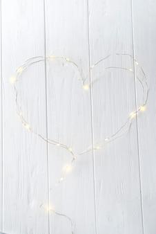 Pequenas luzes em forma de coração
