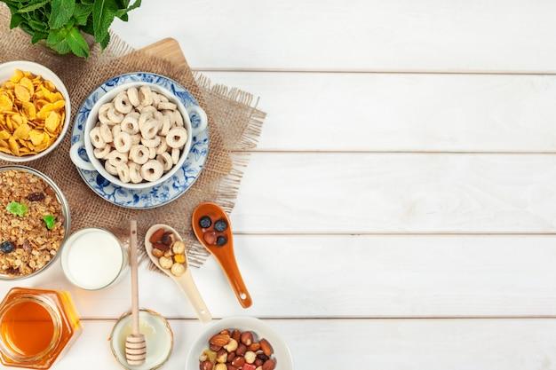 Pequeno-almoço saudável com flocos