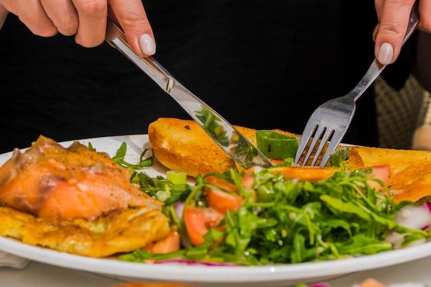 Pequeno-almoço saudável com legumes