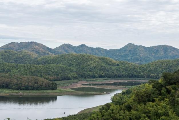 Pequeno lago do reservatório.