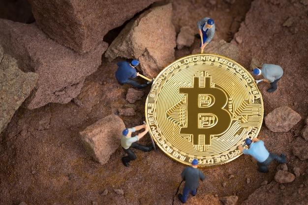 Pequeno mineiro está cavando para bitcoin