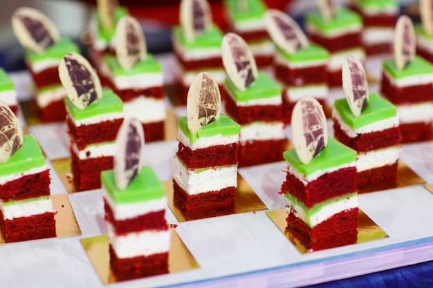 Pequenos bolos.