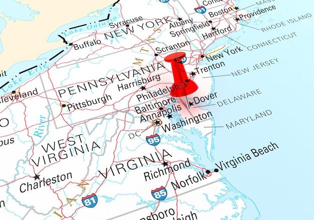 Percevejo vermelho sobre o mapa do estado de delaware eua. renderização 3d