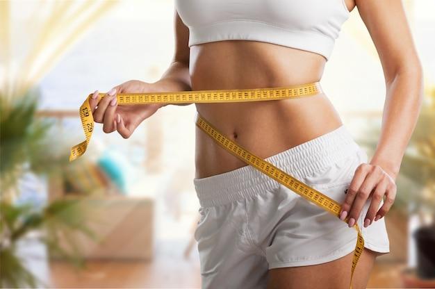 Perda de peso, corpo magro, conceito de estilo de vida saudável.