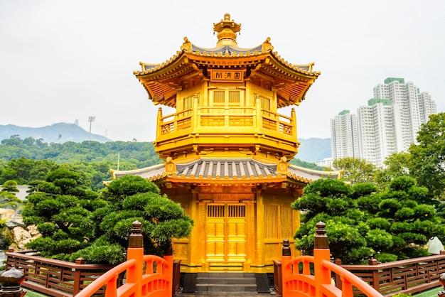 Perfeição água ponte chinesa absoluta