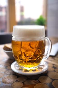 Perfeitamente aproveitado cerveja pilsner checa