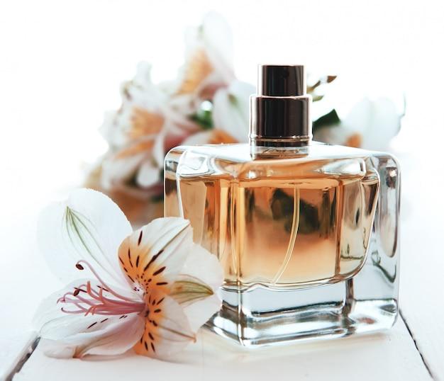 Perfume com flores