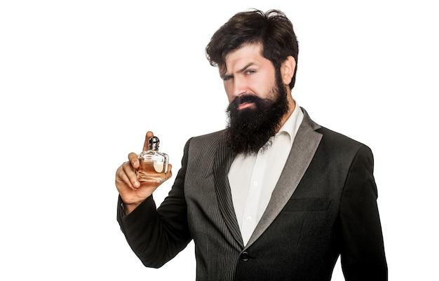 Perfume de homem, fragrância. frasco de perfume ou colônia e perfumaria, cosméticos, frasco de perfume de perfume, colônia masculina segurando.