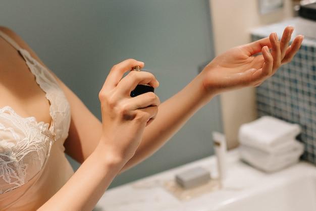 Perfume de noiva no campo de treinamento