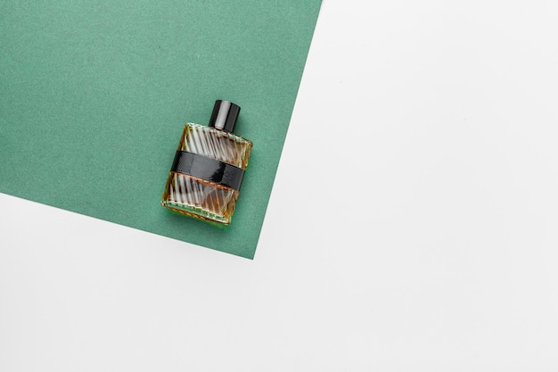 Perfume dos homens. spray de garrafa