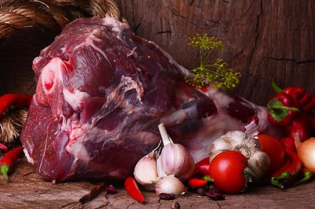 Perna de carneiro fresca