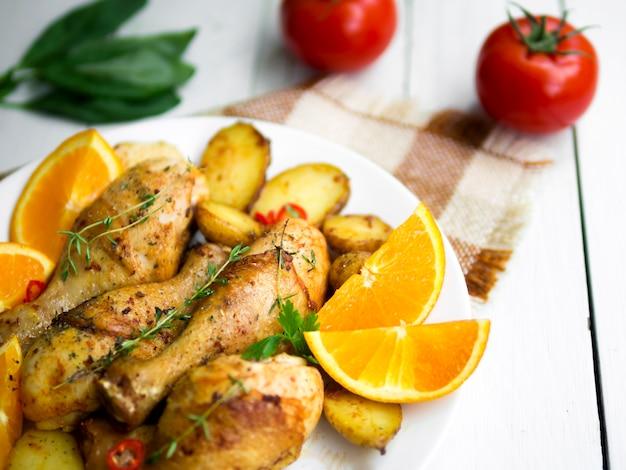 Pernas de frango cozido com ervas