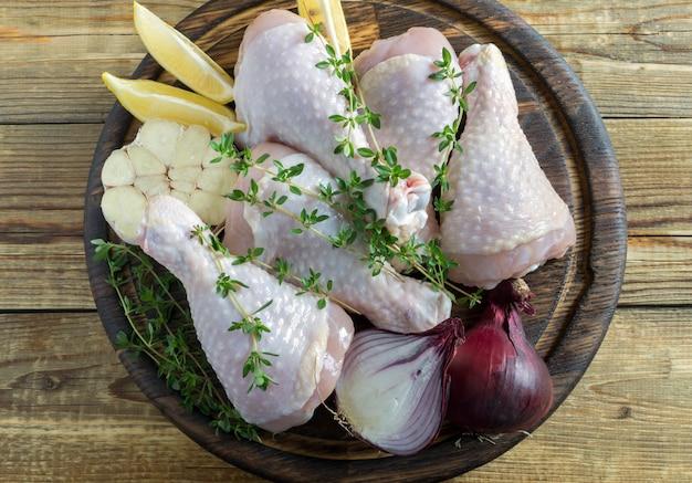 Pernas de frango cru