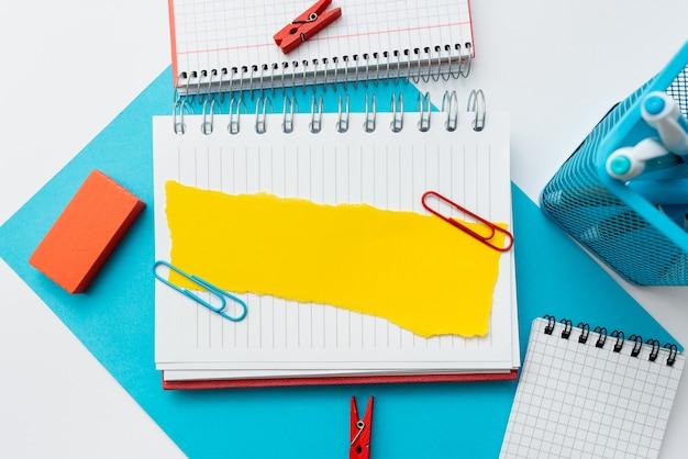 Perpectiva colorida, pensamento positivo, inspirações de ideias criativas, contemplação alegre, brilhante