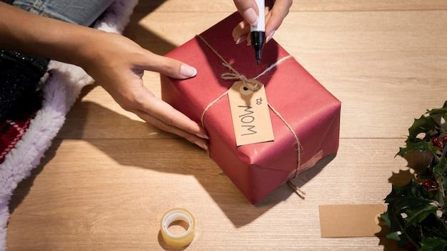 Personalização de presentes para a noite de natal
