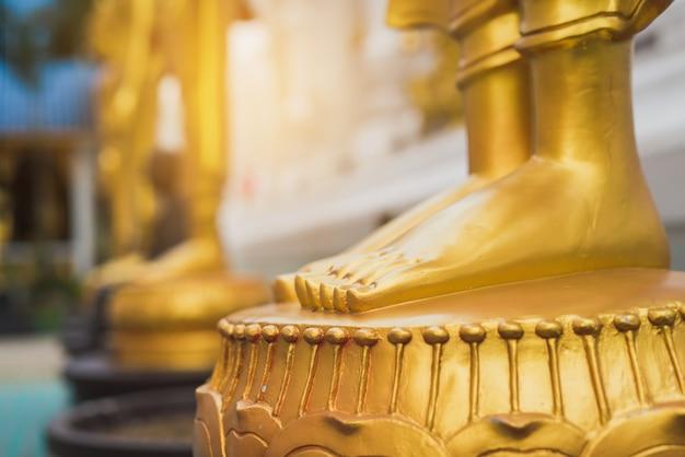 Pés, de, dourado, buddha, estátua