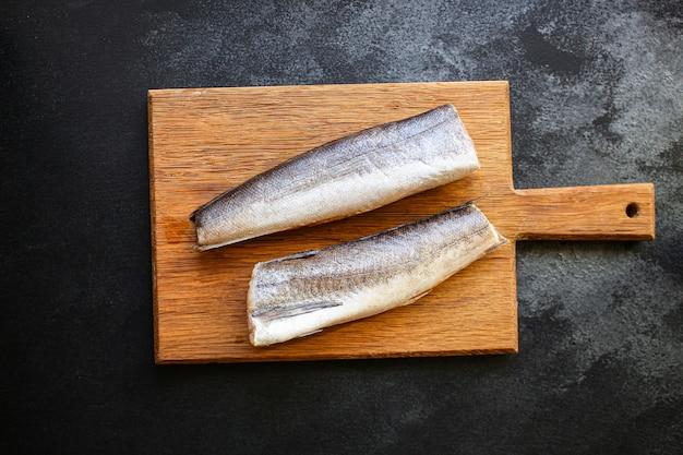 Pescada crua de peixe