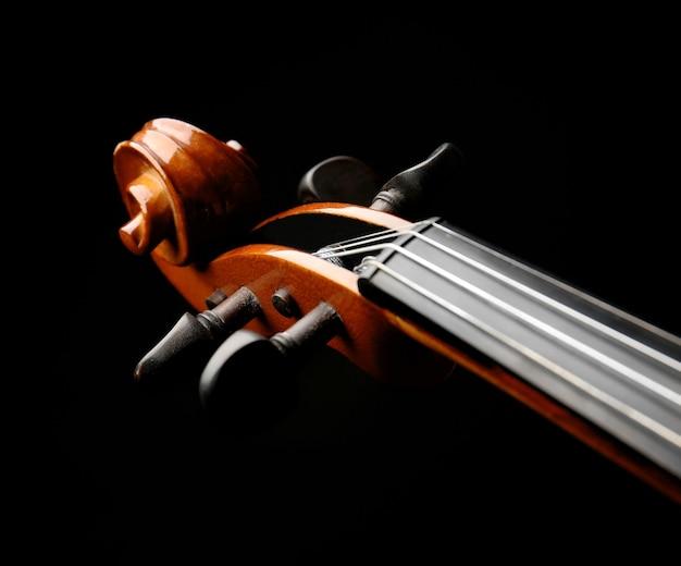 Pescoço de violino escuro