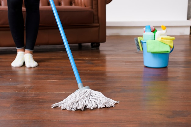 Pessoa, limpeza, assoalho hardwood, casa