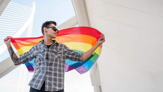 Pessoa, mantendo, arco íris, bandeira