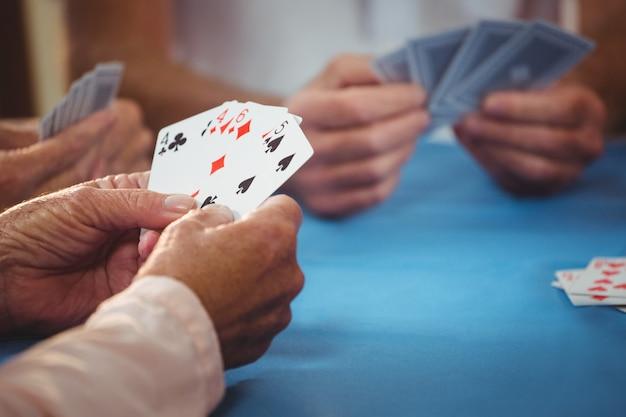 Pessoas aposentadas baralho