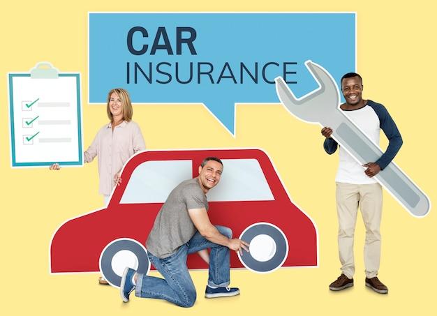 Pessoas com uma apólice de seguro de carro