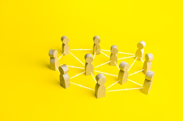 Pessoas conectadas por linhas. sistema de empresa de negócios hierárquico selforganizado