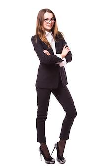 Pessoas de negócios - mulher de negócios em pé de corpo inteiro sorrindo feliz isolada na parede branca