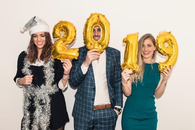 Pessoas, ficar, com, 2019, inscrição, de, balões