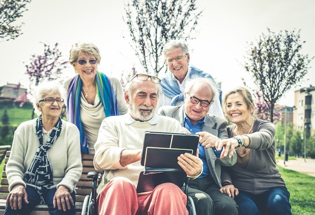 Pessoas idosas em um lar de idosos