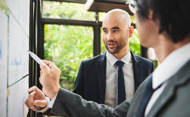 Pessoas negócio, em, um, apresentação