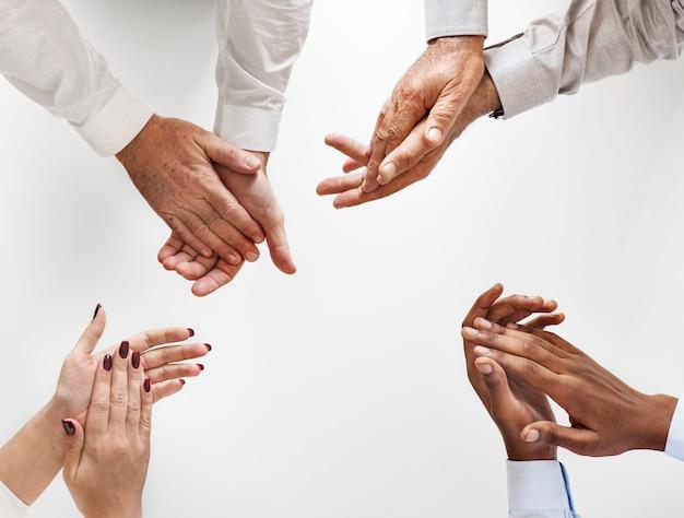 Pessoas negócio, palmas mãos, junto