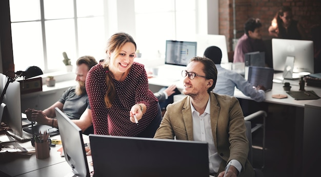 Pessoas negócio, reunião, conferência, brainstorming, conceito