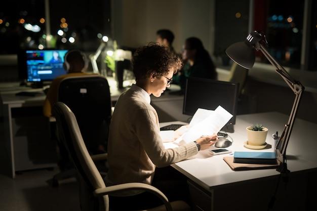 Pessoas que trabalham à noite