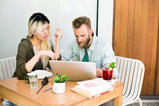 Pessoas, reunião, brainstorming, discussão, conceito