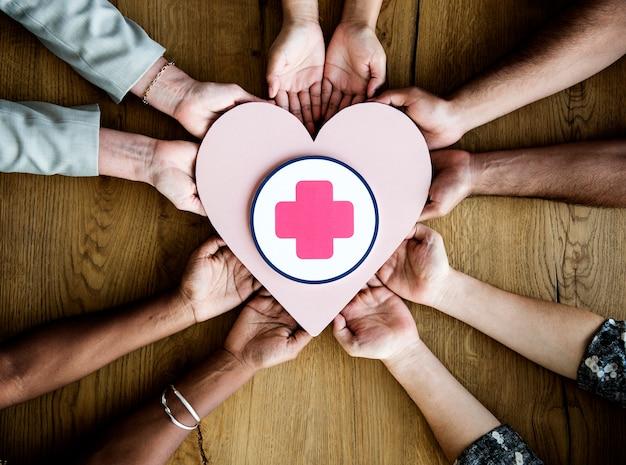 Pessoas, segurando, coração